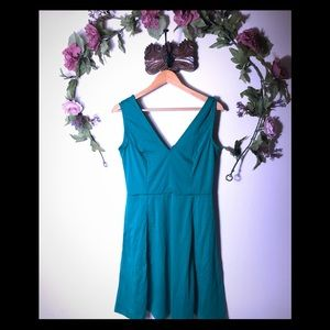 H&M | Green Sleeveless Dress